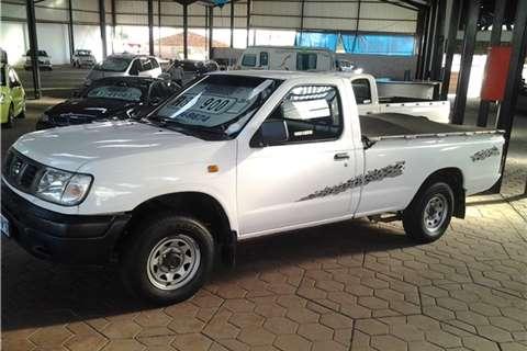 2006 Nissan  Hardbody 2.0